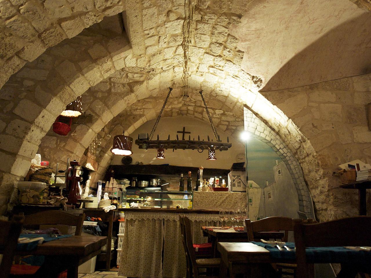 ristrutturazione restauro ristorante casa san giacomo centro storico ostuni dan 6856